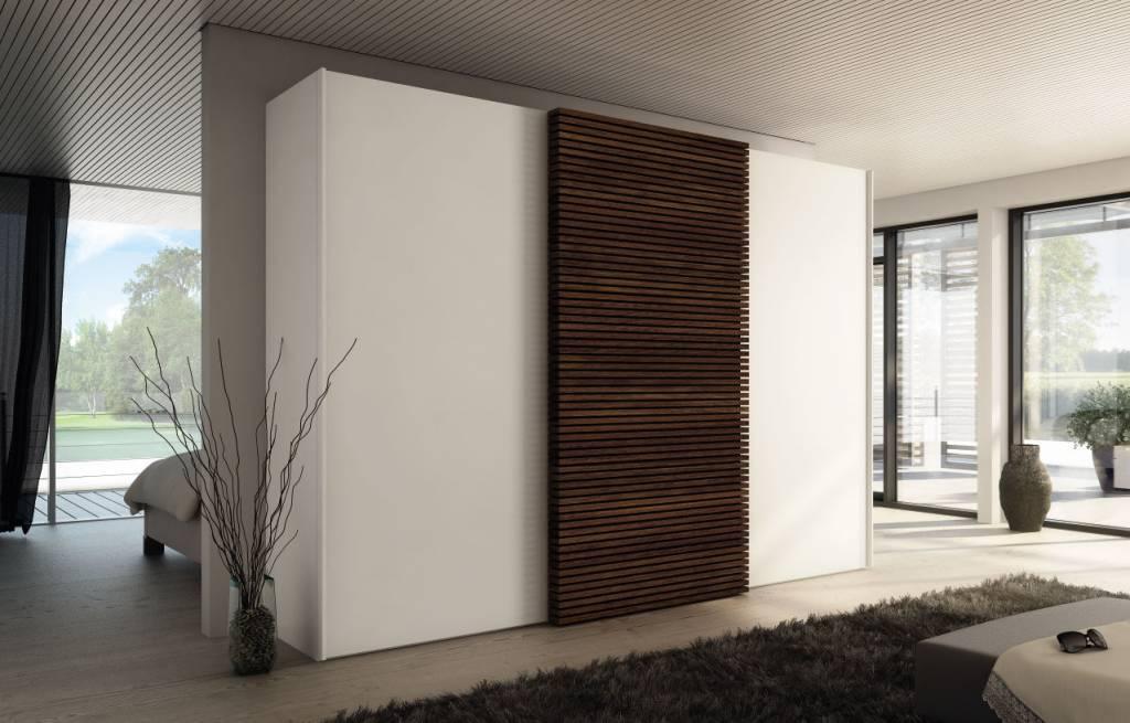 h lsta schiebet renschrank solit t in weiss und r uchereiche. Black Bedroom Furniture Sets. Home Design Ideas