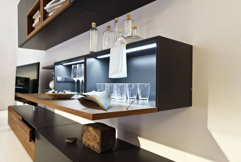 h lsta neo wohnm bel in lack grau und kernnussbaum. Black Bedroom Furniture Sets. Home Design Ideas