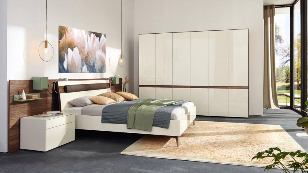 hlsta bett simple schrank hulsta gebraucht hulsta gebraucht a ausbildung frankfurt with hlsta. Black Bedroom Furniture Sets. Home Design Ideas