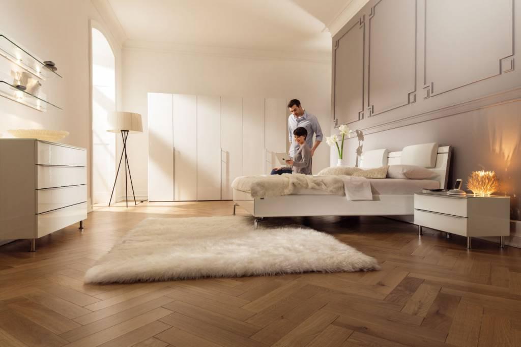 h lsta schlafzimmer metis plus in hochglanz reinweiss. Black Bedroom Furniture Sets. Home Design Ideas