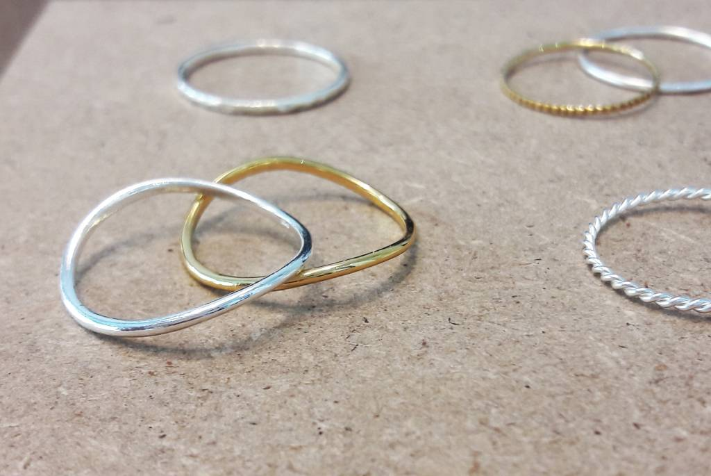 Asymmetrical ring made of 925 sterling silver