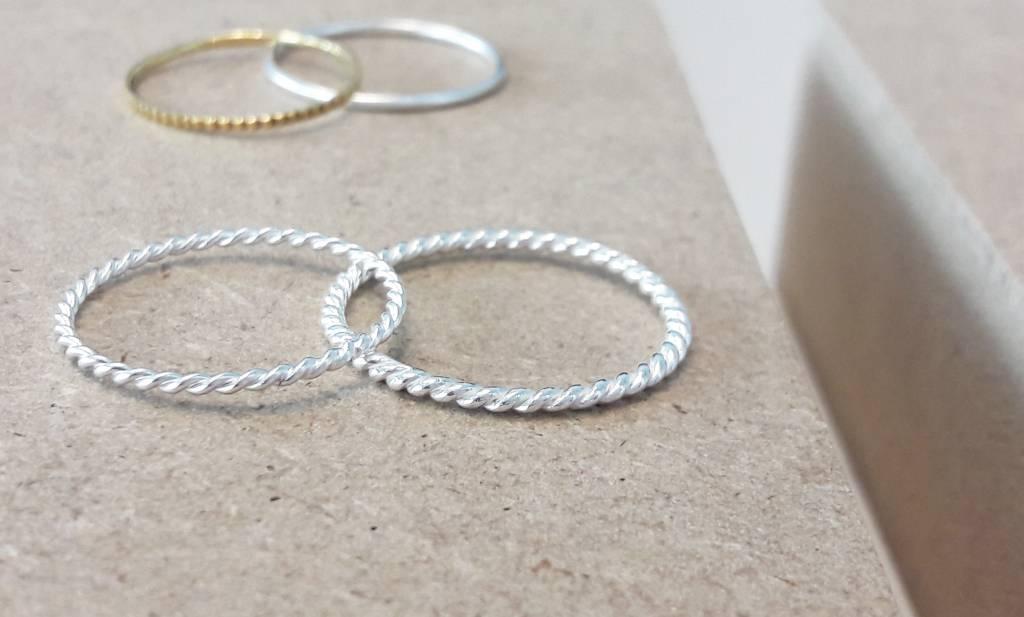 Fein geflochtener Ring aus 925er Sterling Silber