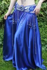 Satinrock in türkis blau