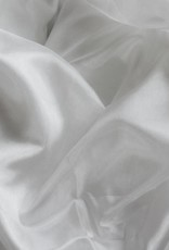 Seidenschleier aus Seide in weiß