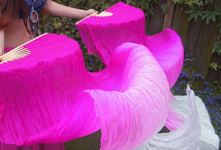 Fächerschleier / Fan-Schleier aus Seide in fuchsia Farbverlauf