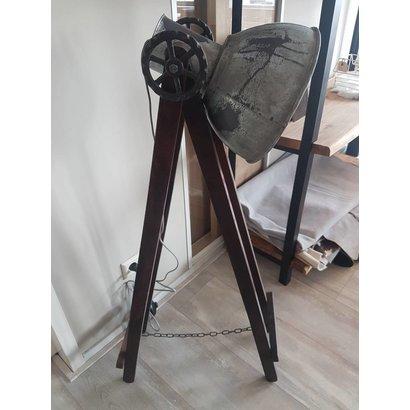 Vloerlamp staal
