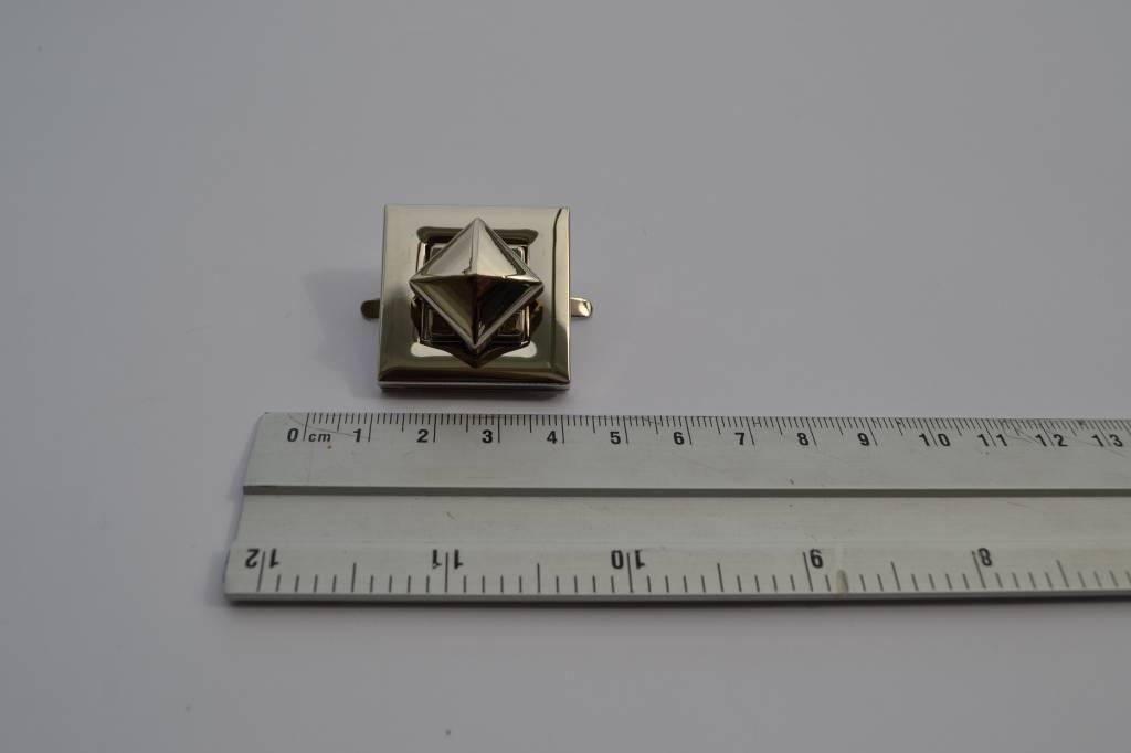 MOR 0068 NK Vierkante draaisluiting zilver²