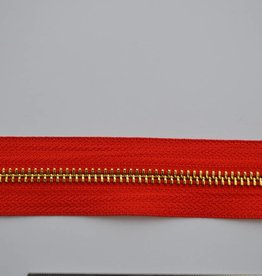 CLT 5 DSO 819 Rits: kleur rood