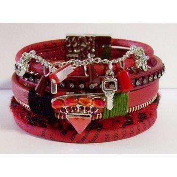 Armband Ibiza exclusief rood magneetsluiting 047