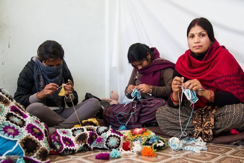 Lustige und ausgefallene Entenfamilie, handgestrickt aus Nepal