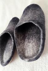 Handgefertigte Filzpantoffeln, grau
