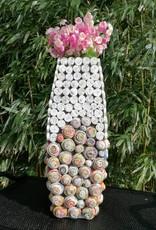 Ausgefallene bunte und trendige Vase (H 46 cm) aus Recyclingpapier, handgefertigt