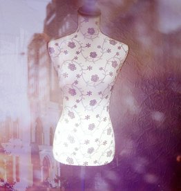 Schneiderpuppe mit LED Beleuchtung, weiße Spitze