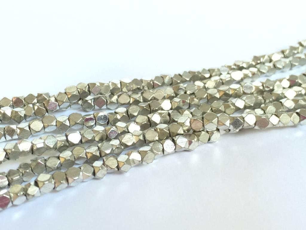 Metallwürfel - Cornerless Cubes 2,5 mm, silver plated brass