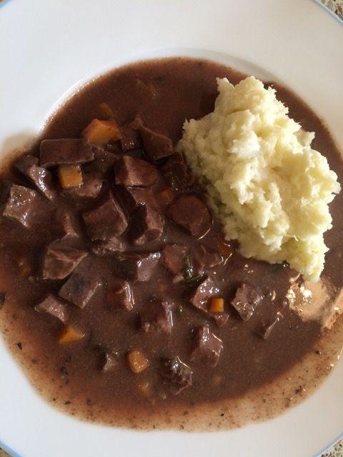 Rinderherz-Ragout aus dem Slow Cooker (Paleo Rezept)