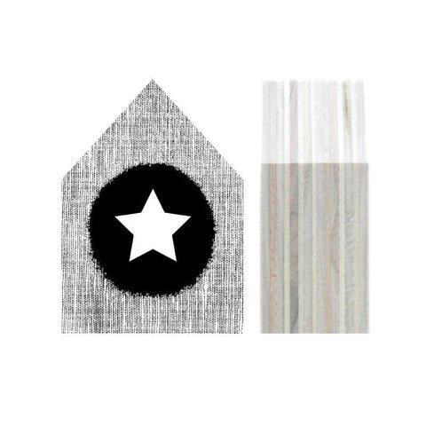 Houten huisje - Star black | Dots Lifestyle