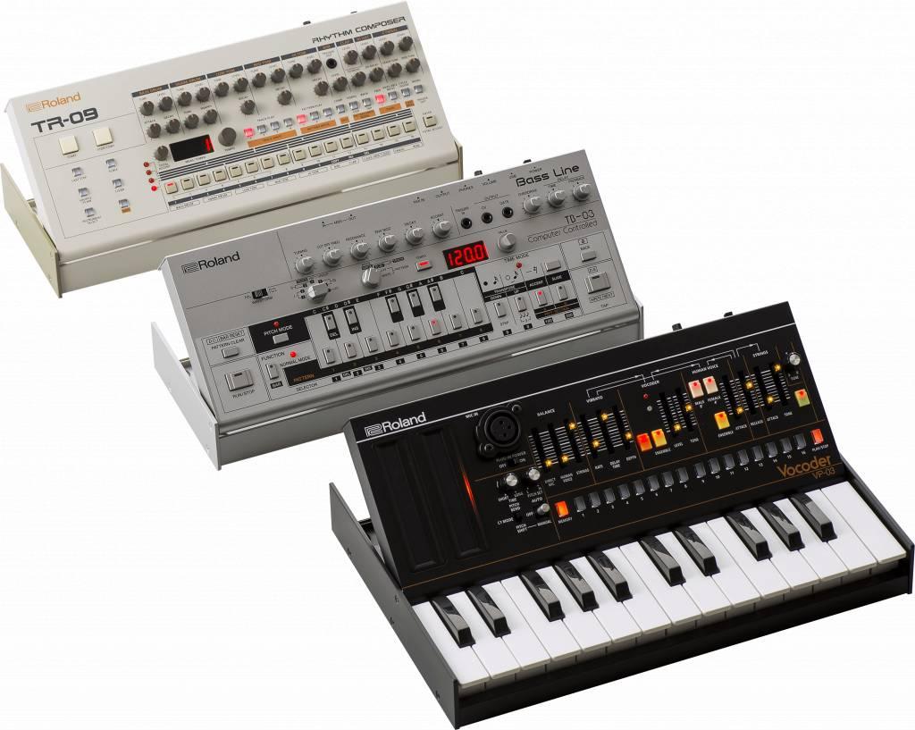 roland tb 03 bass line boutique synthesizer module. Black Bedroom Furniture Sets. Home Design Ideas