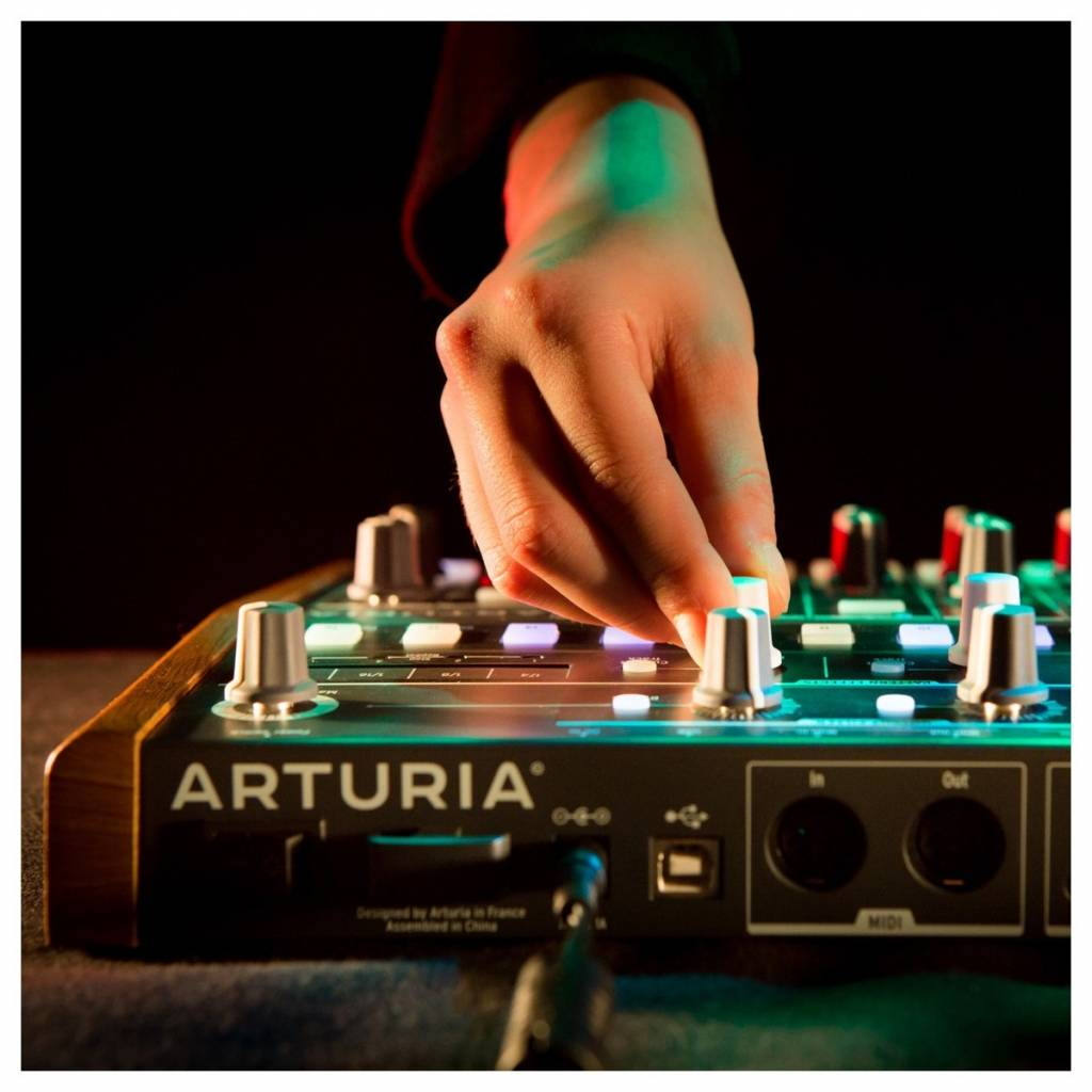 Arturia Drum Brute analoge Drum-Maschine