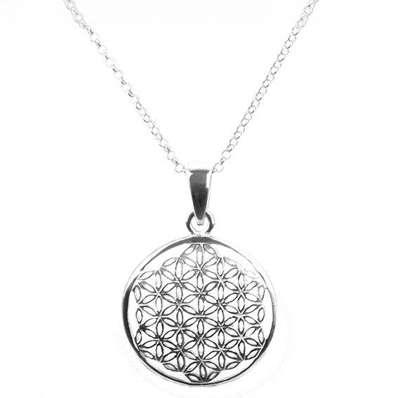 Halskette silber mit einem Anhänger in Form eines Mandalas