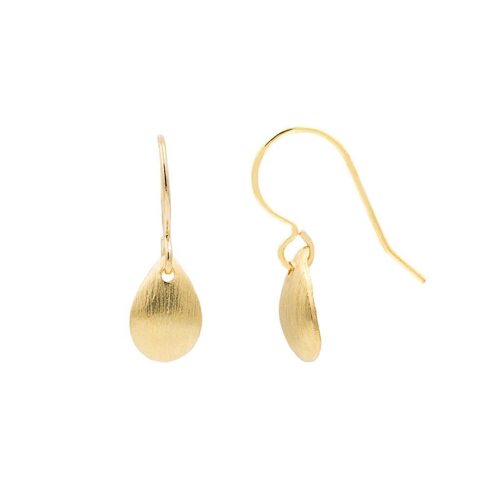 Ohrhänger mit Anhänger in Form eines goldenen Tropfens