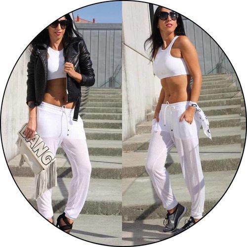Amanda Chic in white