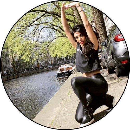 Stretching at the Amsterdam canals