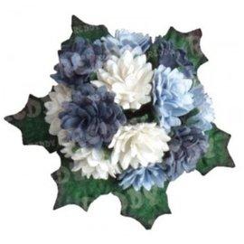Embellishments / Verzierungen Bund Mini Crysanthemen met bladeren: h'blau, d'blauw en wit