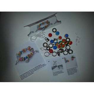 Kinder Bastelsets / Kids Craft Kits A pretty bracelet with pearls, silver pendants and beads connection