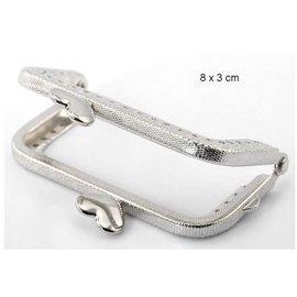 Embellishments / Verzierungen NUEVO: 1 Taschen abrazadera metálica con video tutorial aquí en el producto!