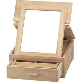 Objekten zum Dekorieren / objects for decorating caixa de jóia, feita de madeira para decoração.