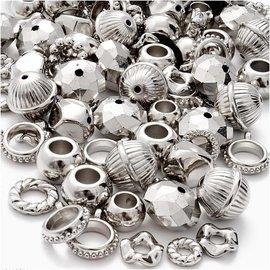 Embellishments / Verzierungen 12 metalliserede, sølvfarvede ringe, charms, perler