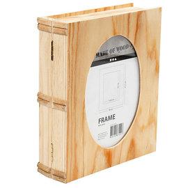 Objekten zum Dekorieren / objects for decorating Caixa de madeira em forma de livro com Passepartout na tampa.
