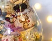 Francobolli, schrumpfolien e ornamenti per il Natale