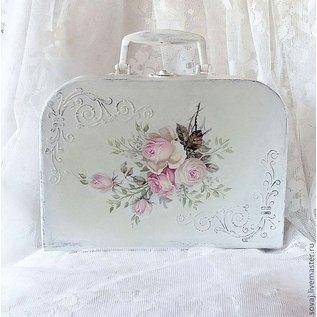 DECOUPAGE AND ACCESSOIRES 4 Designer Decoupage napkins in vintage design roses