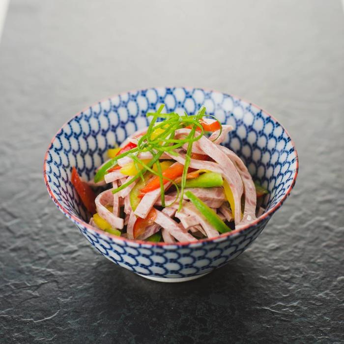 Paprika-Wurstsalat