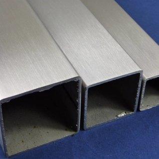 Tube carré 1.4301  surface brossé en grain 240  40/40/2 2500mm de long