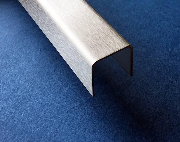 u profil aus edelstahl 2 fach gekantet oberfl che ausw hlbar von versandmetall kaufen. Black Bedroom Furniture Sets. Home Design Ideas
