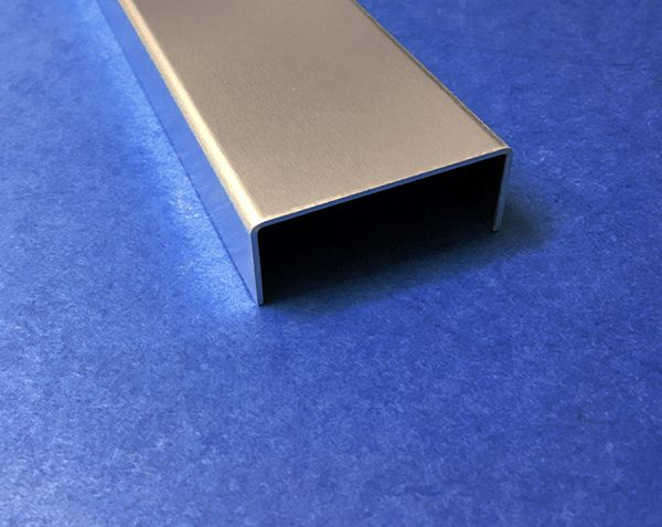 u profil aus aluminium 2 fach gekantet oberfl che ausw hlbar von versandmetall kaufen. Black Bedroom Furniture Sets. Home Design Ideas