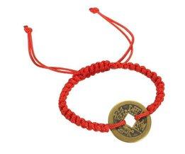 Bracelet Vintage Avec Chaîne Rouge Et Monnaie