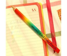 Pencil Avec Quatre Couleurs