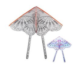Kite In Form Eines Schmetterlings