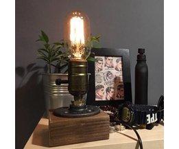 Klassische Tischlampe
