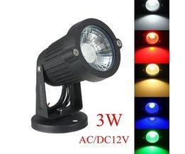 LED-Außenbeleuchtung Mit Verschiedenen Farben Licht