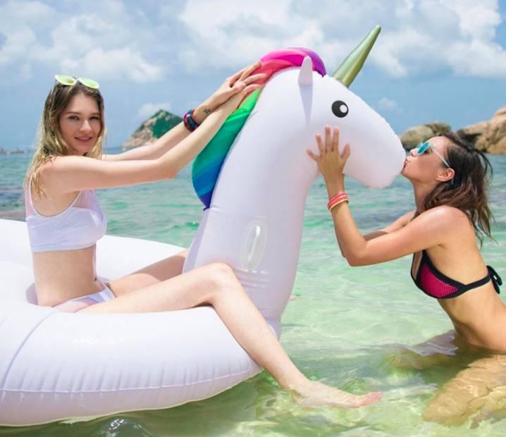 Giant Unicorn Float 270 cm