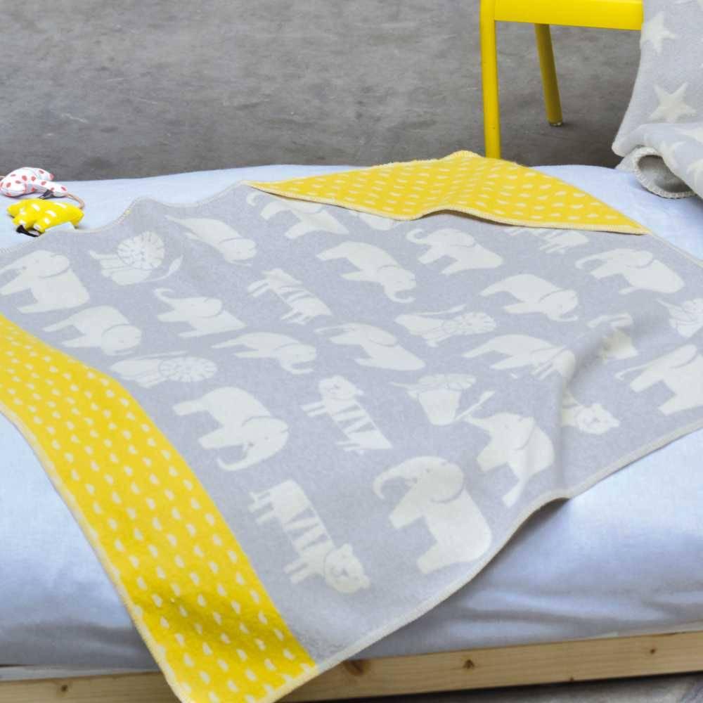kuscheldecke david fussenegger kuscheldecke elefant milchwiese gmbh. Black Bedroom Furniture Sets. Home Design Ideas