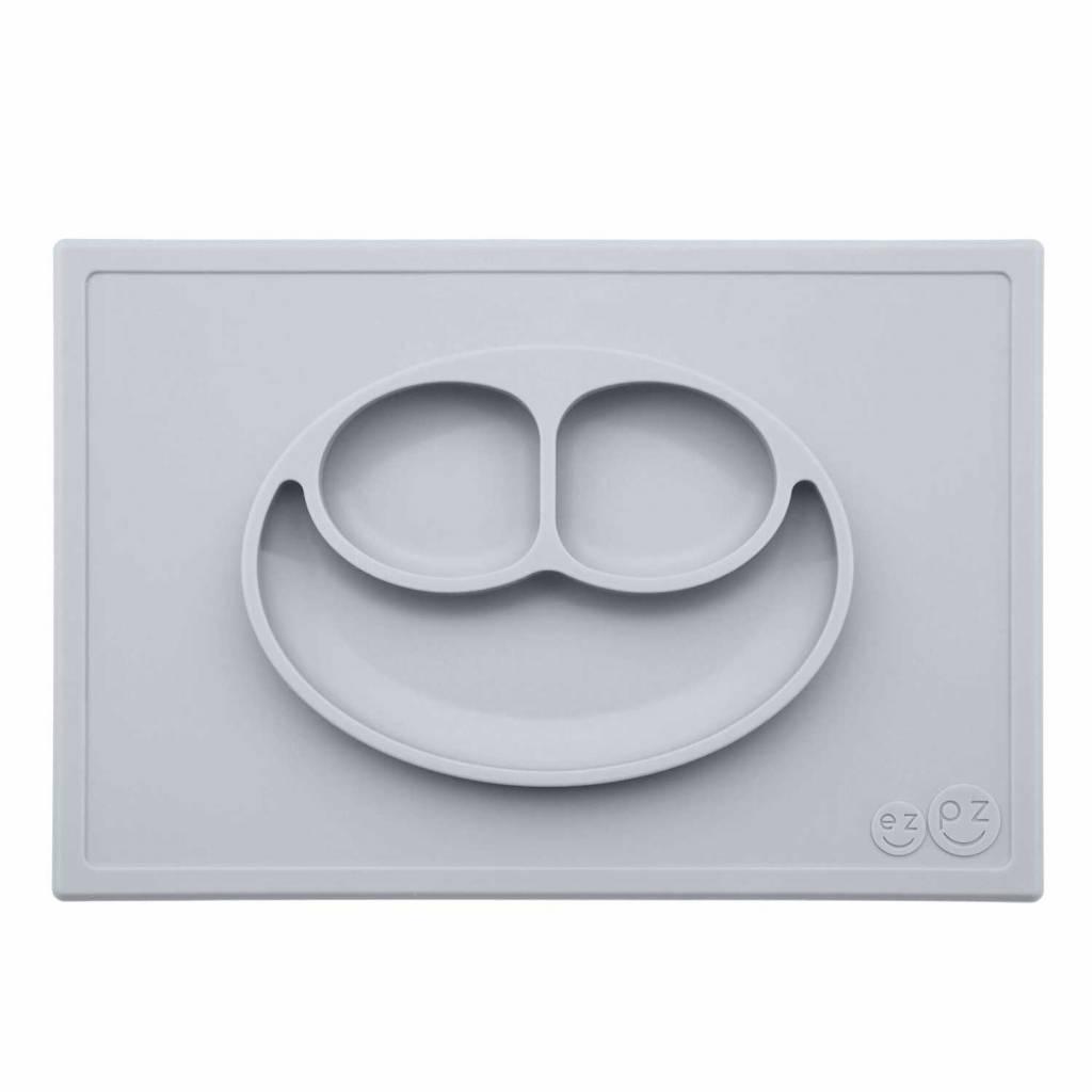 ezpz ezpz happy mat silikon platzmatte teller silber grau milchwiese gmbh. Black Bedroom Furniture Sets. Home Design Ideas