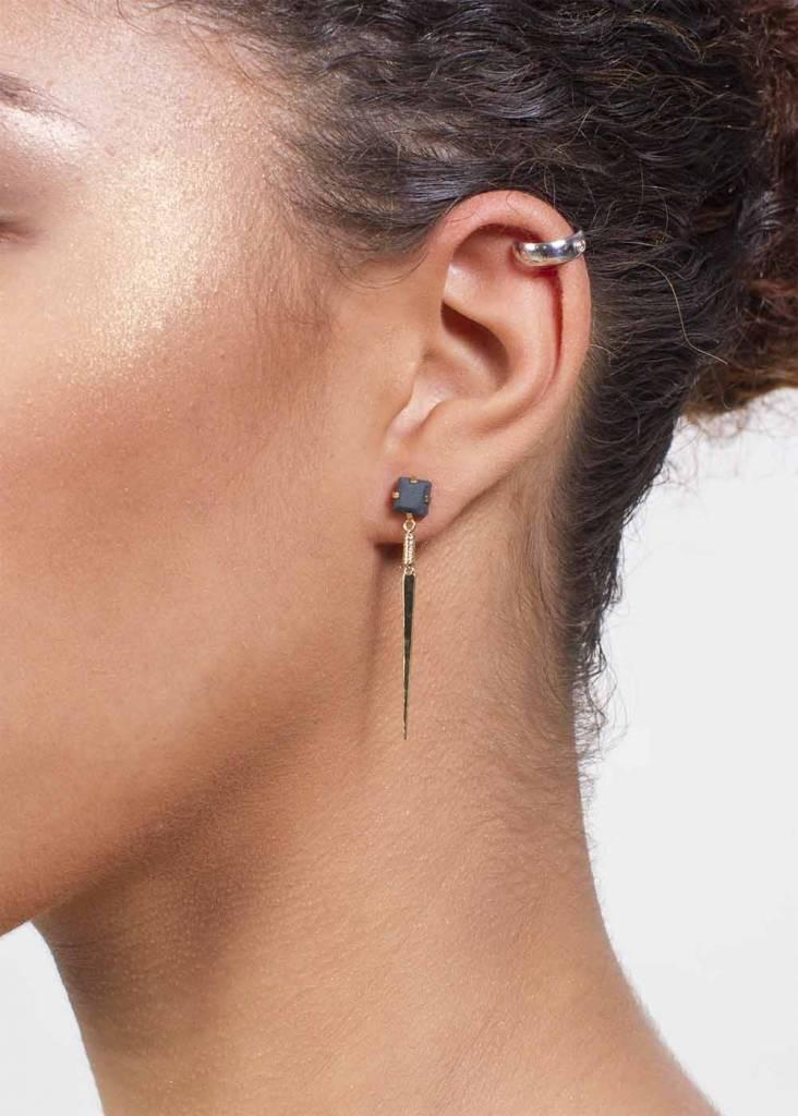 Dutch Basics Silver Ear Cuff with Stone