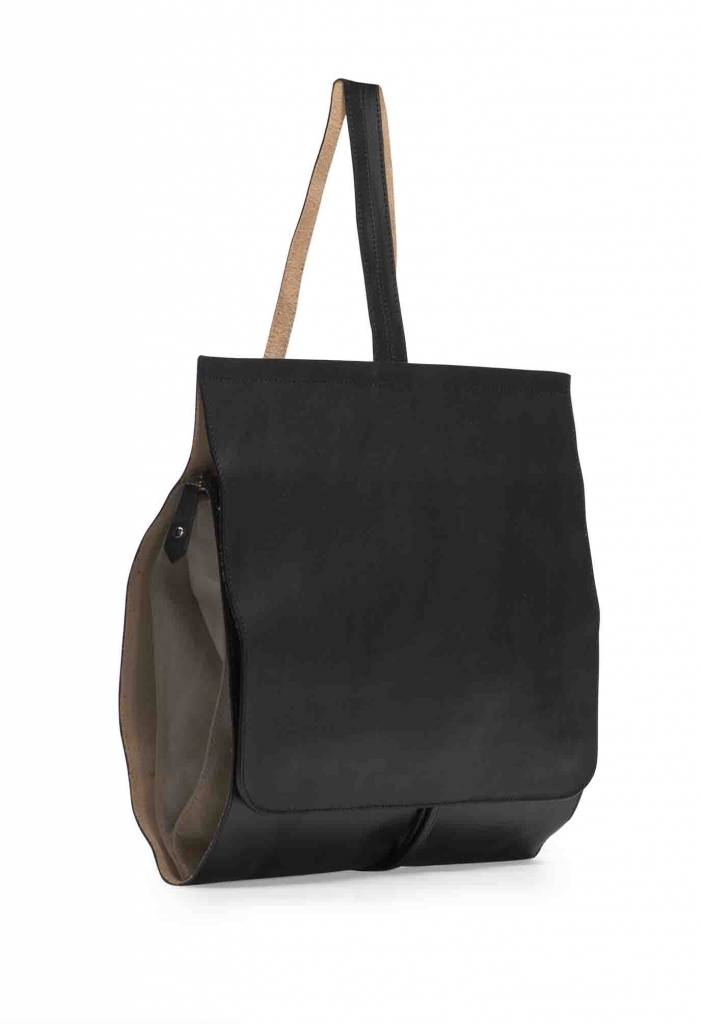 Minimal Leather Backpack - Black - www.dutchbasics.com e615732d92