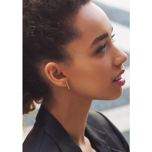 Dutch Basics Thin Bar Earrings - Gold Plated
