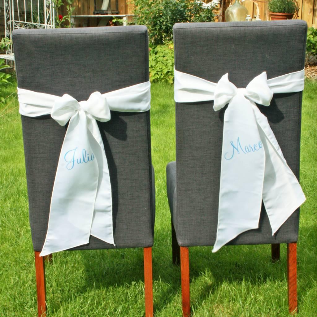 stuhlschleifen mit euren namen f r die hochzeit hier kaufen nadelspitze. Black Bedroom Furniture Sets. Home Design Ideas